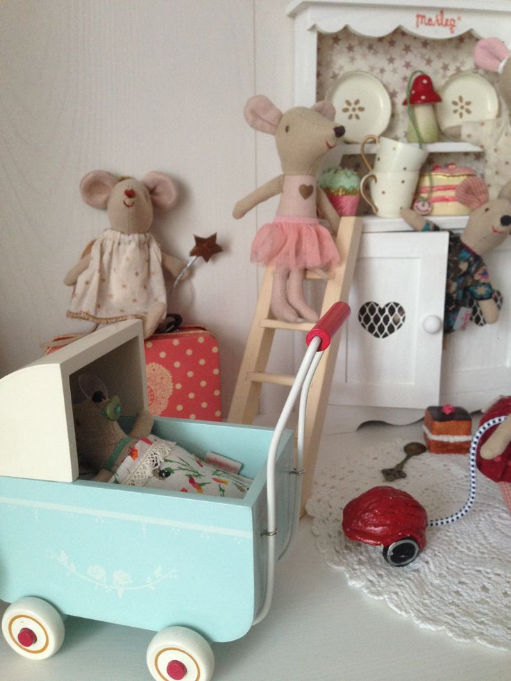 Maileg Bunny Children Play Sewing Rooms Paper