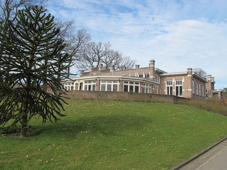 Kumpulan is waar de smaak van Tempo Doeloe huist op het Landgoed Bronbeek. De sfeer en smaak nemen je terug naar lang, lang geleden.