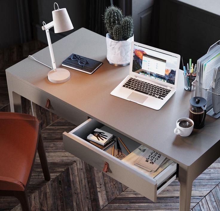 Рабочий стол с оптимальными габаритами для домашнего кабинета. Два вместительных ящика организуют дела и канцелярию, а фирменные кожаные ручки The IDEA добавят домашнего уюта. Отличительные черты: 2 глубоких выдвижных ящика, направляющие с доводчиками; фирменные кожаные ручки The IDEA. Стол доступен в 31 варианте эмали, 5 видах тонировки. Возможен заказ стола по индивидуальным размерам. Заказать в интернет-магазине Филдс со скидкой 500 руб. на первую покупку.