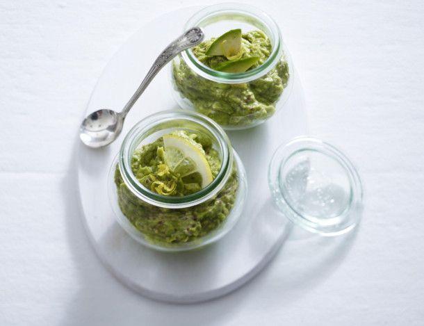 Unser beliebtes Rezept für Avocado-Senf-Creme und mehr als 55.000 weitere kostenlose Rezepte auf LECKER.de.