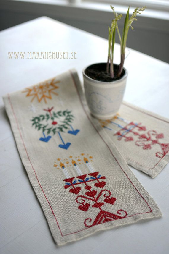 Swedish Christmas Vintage Handembroidered table by Maranghouse, €40.00