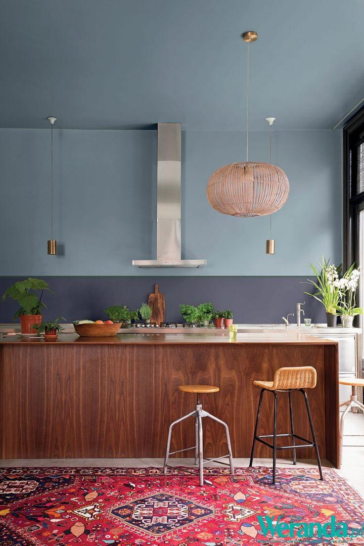 Nowoczesna kuchnia z salonem #kuchnia #nowoczesna #salon #kuchenny #aneks #inspiracje #pomysły  #salon #dom #mieszkanie #wnętrze #mieszkania #wnętrza #szafki #stół #szkło #drewno #kafelki #płytki #terakota #wodoodporny #piękna #aranżacje #projekty #aranżacja #projekt #pomysł #urządzanie  #kitchen #ideas #inspiration #house #big #villa #glamour #style #interior #project #architecture #design