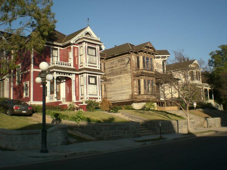 Maison de la série Charmed. 1329 Carroll Avenue in Los Angeles. http://midnightinthegardenofevil.blogspot.ca/2011/03/charmed-house-halliwell-manor.html