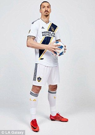 a2420394575 Ibrahimovic posed for photos in his new LA Galaxy strip after sealing his  move from United