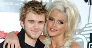Anna Nicole Smith with son Daniel Wayne Smith (both gone, so sad)