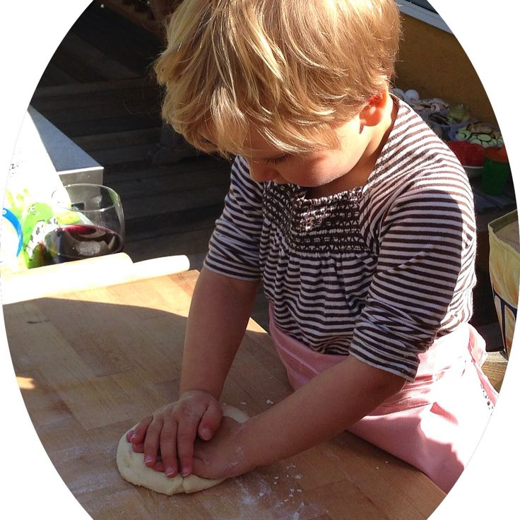Can a five year old make great #pizza? The answer is yes and here is Sarah starting off by kneading the #dough. #kidsinthekitchen #cookingwithkids