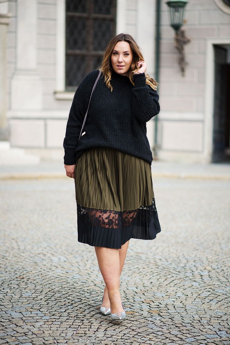 Midi-Rock für Große Größen stylen ➠ Plus-Size Röcke ➠ Plisseerock