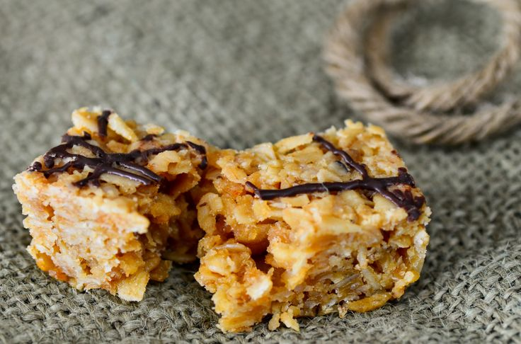 Peanut Butter Flapjack. Amend recipe: add 200g of dark choc; more peanut butter (add 50g to make 150g); and use half-half coconut/ground almond (50g) each. Cut into 10 and each piece will have be protein rich - just under 10g!