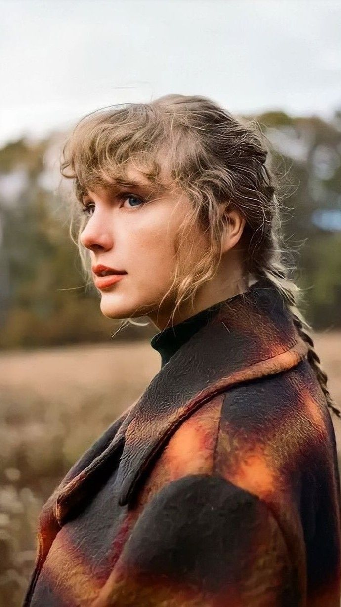 Taylor Swift Evermore Wallpaper Taylor Swift Album Taylor Swift Pictures Taylor Swift Wallpaper