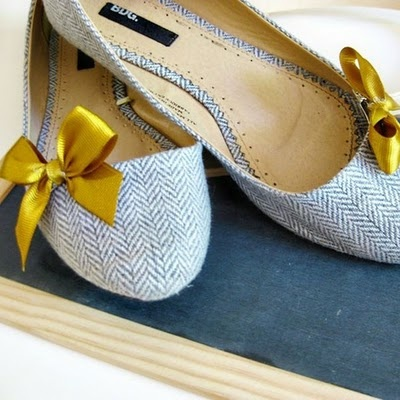 tweed flats? yes pleaseBows Flats, Urban Outfitters, Fashion Shoes, Bow Shoes, Girls Fashion, Ballet Flats, Girls Shoes, Shoes Clips, Mustard Yellow