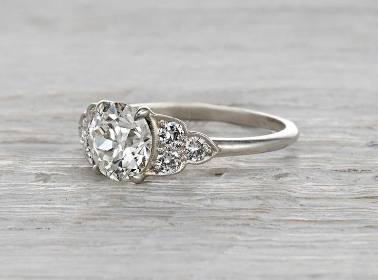http://rubies.work/0740-blue-sapphire-earrings/ 1.04 carat diamond vintage Edwardian engagement ring