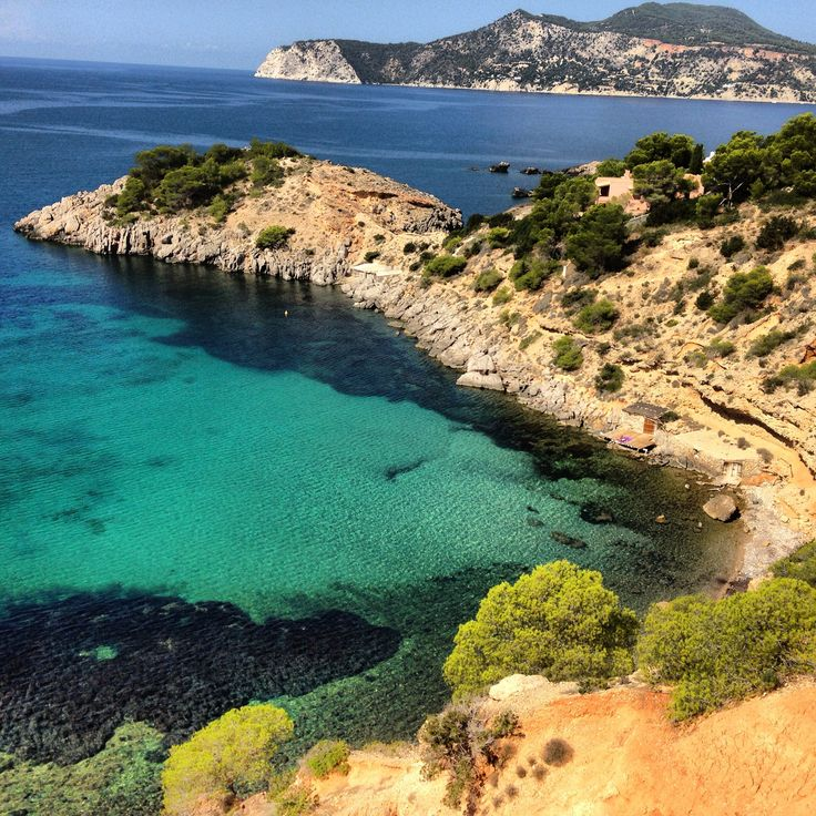 Ever seen this beautiful colour of water? #ibiza