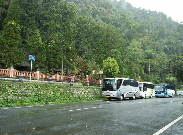 Sewa Bus Solo ke Kaliurang Harga Murah Telp. 082243439356 Mita Transport