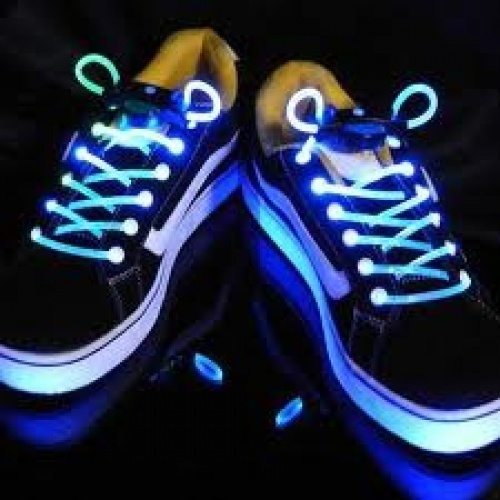 LED illuminated Shoelaces now in South Africa!