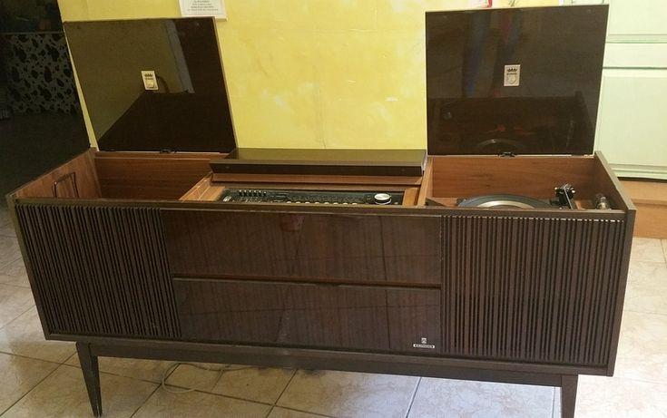 17 meilleures id es propos de tourne disque sur pinterest tourne disque retro stockage de. Black Bedroom Furniture Sets. Home Design Ideas