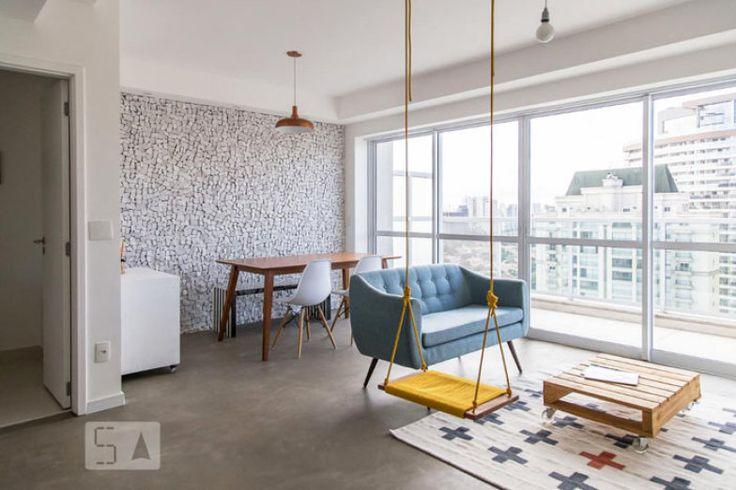 Com 83m², este apartamento mobiliado está disponível para aluguel por R$5.650, IPTU e condomínio inclusos.