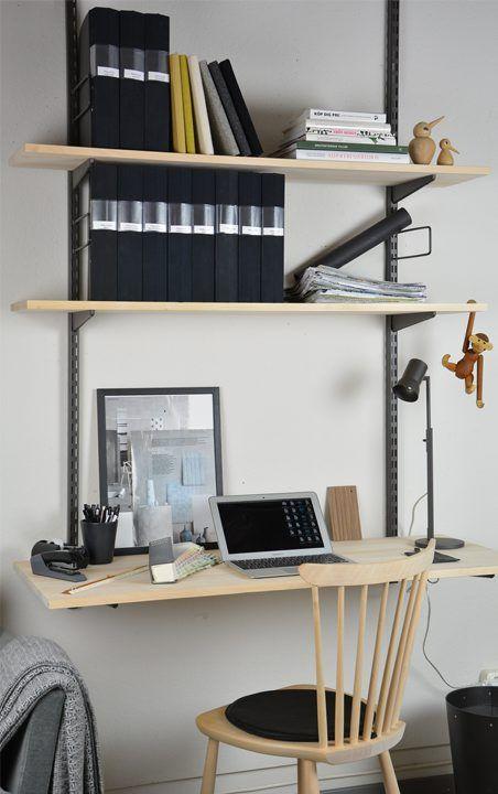 Norrgavel - Platsbygg en liten arbetsplats med Skrivskiva i björk eller ek i kombination med vårt konsolsystem i metall efter dina önskemål och behov.