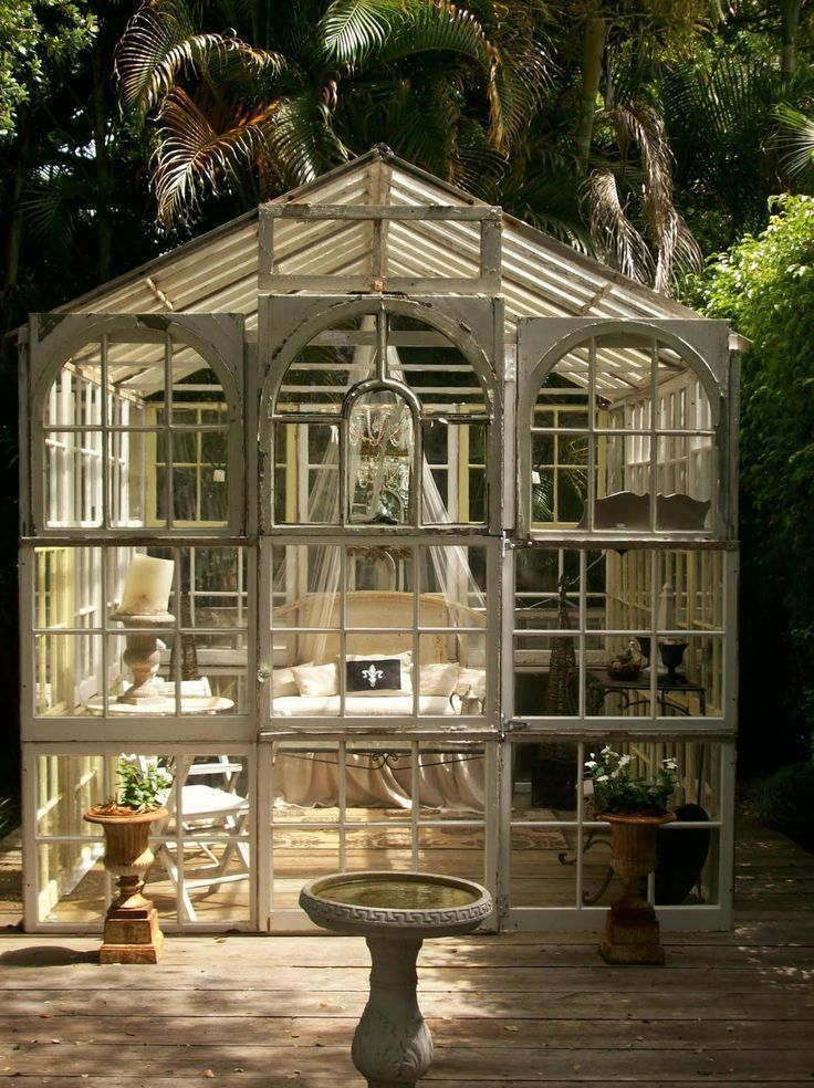 a glass conservatory This is really on my #BucketList #conservatorygreenhouse