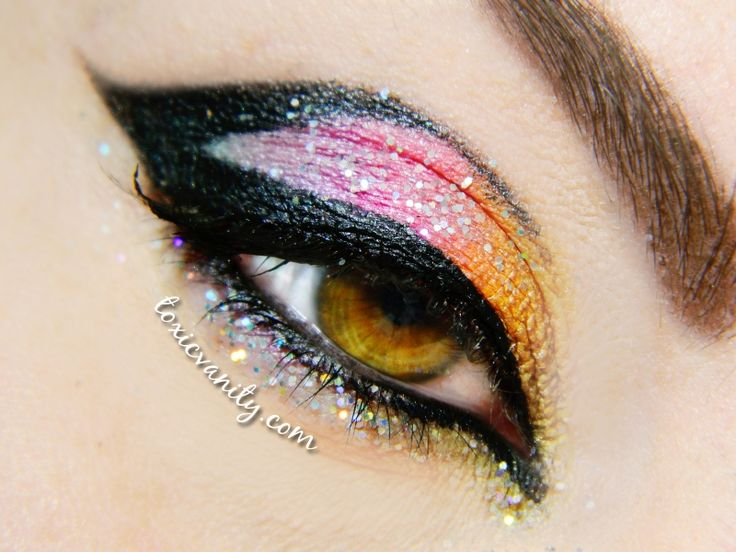 Maquillaje arco iris y purpurina | Toxic Vanity