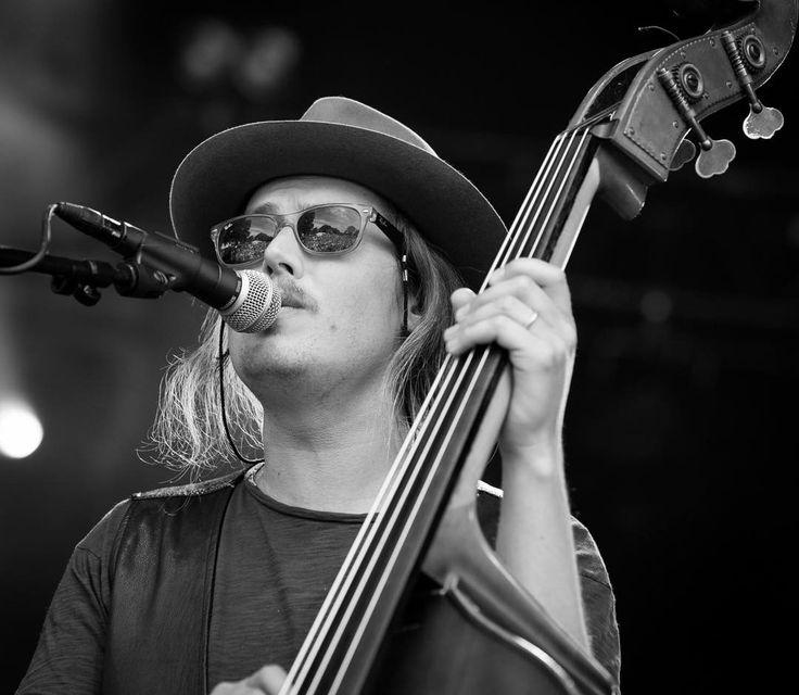 From Daniel Norgren's concert at Piknik i Parken #folk #blues #doublebass #concertphotography #livemusicphotography #livemusic #musicphotography #pipfest #festivalsommer #piknikiparken #oslosommer  @pipfest