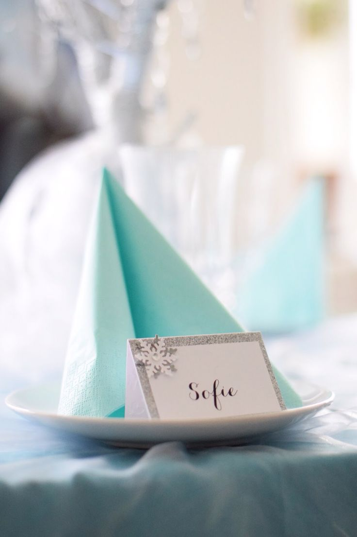Frozen party tablesetting