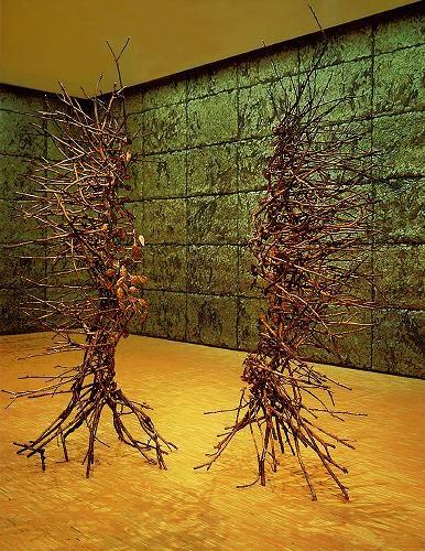 Immagine di http://media.artsblog.it/l/lar/larte-di-giuseppe-penone/1424penone16.jpg.