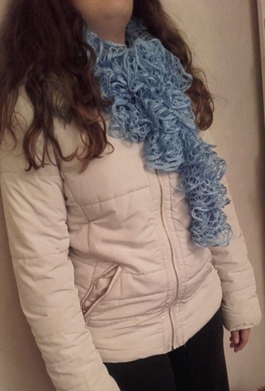 Echarpe frou frou, bleue ciel, fine laine sashay. : Echarpe, foulard, cravate par confection-kelly