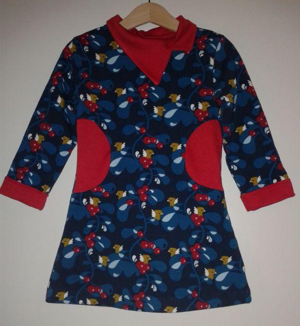 tricot kleedje - speciale kraag
