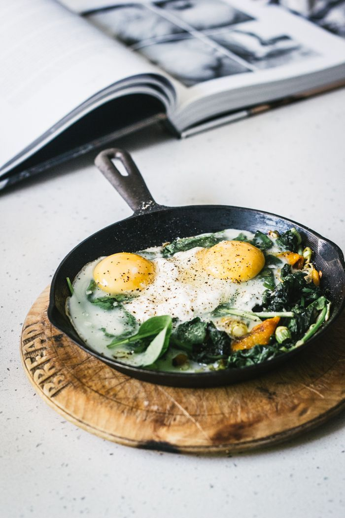 Baked Eggs with Spinach Ricotta and Leeks