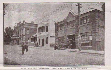 Katoomba long ago showing Municipal Council Town Hall and the Ambulance Station