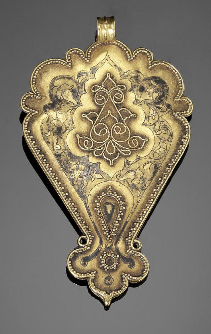 Persia | Seljuk gem-set gold pendant | 12th / 13th century | 3'360£ ~ sold (Oct '10)