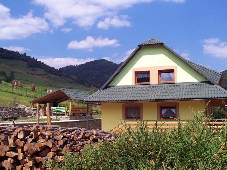 Ubytovanie Pohoda, www.pohoda-pollak.upps.cz, Das Gebäude verfügt über zwei separate Eingänge. Jeder Eingang besteht aus einer Wohnung mit einer maximalen Kapazität von 8 Betten und bietet Touristen-Unterkunft in 1x2, 2x3 - Bett-Zimmer mit Gemeinschaftsbad (WC, Dusche), Küche und Wohnzimmer. Auch ein Holzofen Kamin und TV steht den Gästen zur Verfügung.