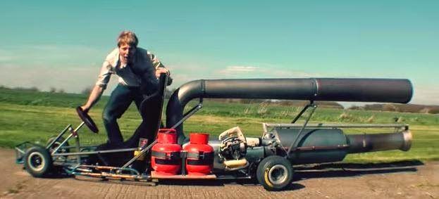 """""""Τρελός επιστήμονας"""" έβαλε μηχανή τζετ σε Go-Kart"""