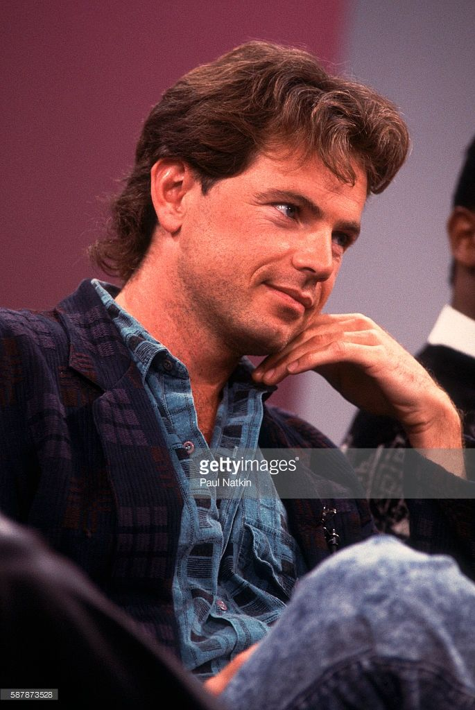 Actor Bruce Greenwood appears on the Oprah Winfrey Show in Chicago, Illinois, October 19, 1987.