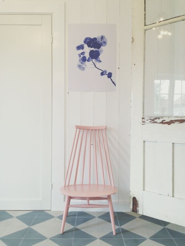 Pale pink chair