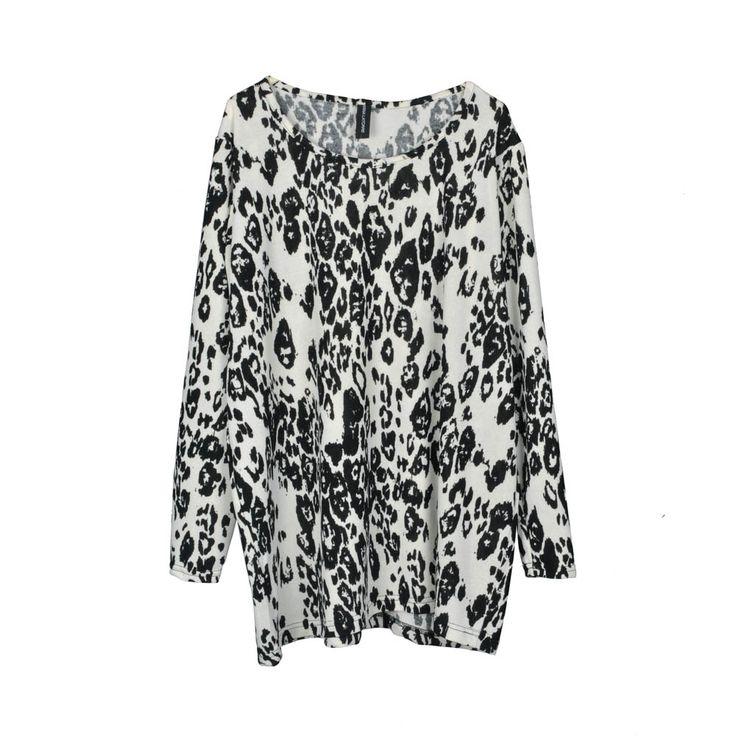 Sweater/polera de mujer lanilla holgada, estampado print blanco con negro.