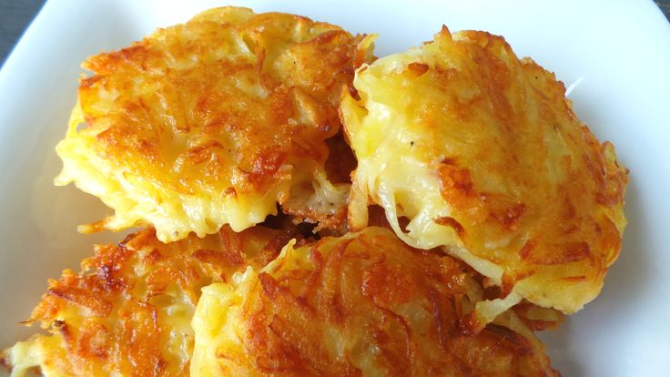 These deliciously Crispy Cheesy Hashbrowns with oozing, melted cheddar cheese are definitely worth making for breakfast, lunch or dinner!