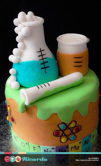 #MiercolesDeGaleria Química Un divertido pastel de fondant para los amantes de…