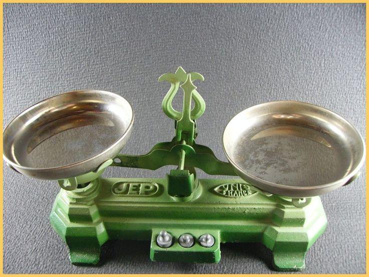 JEP  unis france  balance Roberval (antique toy)