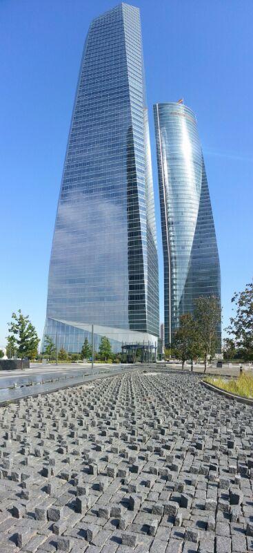 Fotografía de Carlos Vaquero. Paseo de la Castellana, Madrid. Panorámica tomada con Samsung Galaxy S3