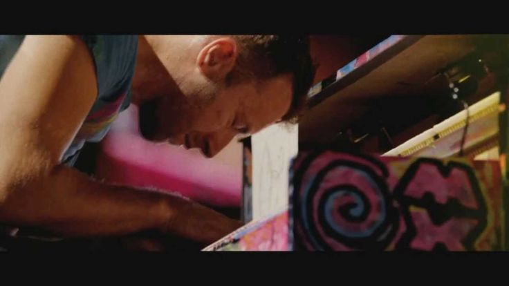 COLDPLAY live 2012 - Yellow (piano intro) - Full HD