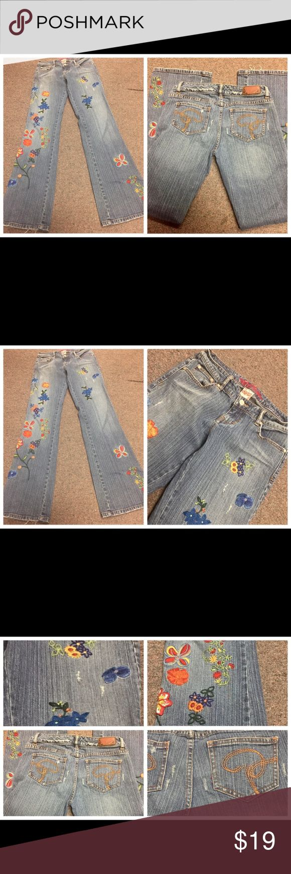 PRINCY BY JESSICA SIMPSON EMBROIDERED JEANS SZ 3 PRINCY BY JESSICA SIMPSON EMBROIDERED JEANS SZ 3 Jr. Distressed and overall factory fading. Waist measures 28 inches. Inseam is 33 inches. Front rise is 8 inches. Back rise is 12 inches.  080617–1 Jessica Simpson Jeans Flare & Wide Leg