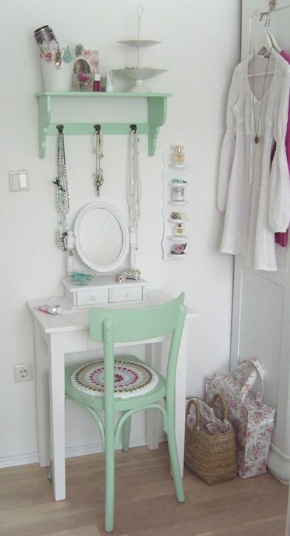 I like this idea for our bedroom. Best 25  Small vanity table ideas on Pinterest   Small dressing