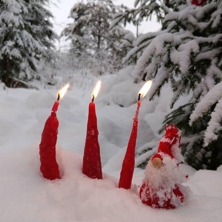 Tällaisia kynttilöitä teemme kastamalla Tapaninpäivän ajelu -tapahtumakin 26.12. klo 12-16. Tervetuloa Korpelan torpalle. #tonttu #joulu #kynttilä #christmasinfinland #outdoorsfinland #discoverfinland #visitfinland #thisisfinland #visitorivesi #korpelantorppa #tapaninpäivänajelu