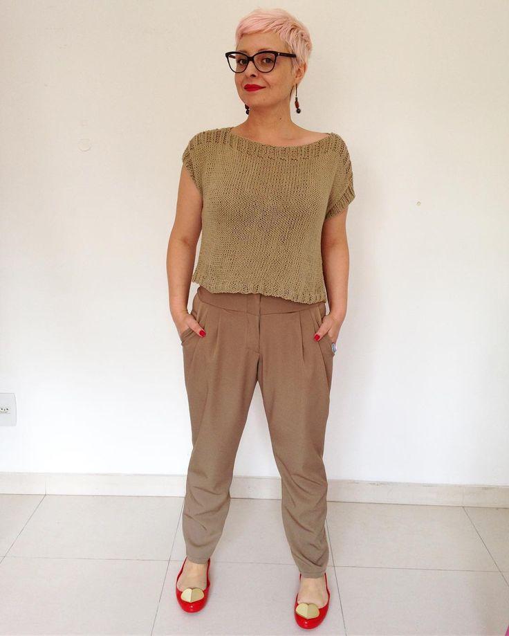 Look monocromático é tendência. ✂️ Day 27- #memademay17 Knit boxy tee and Anna trousers #francinelacerdapatterns ✂️ #mmmay17 #mmmay #memademaybrazil #costura #sewing #handmadewardrobe #slowfashion