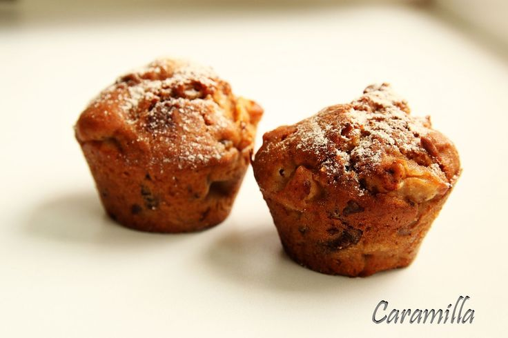 Muffiny s jablky, ořechy, čokoládou a skořicí