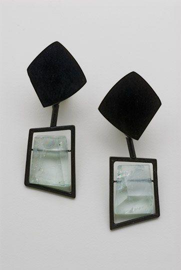 Daphne Krinos, earrings