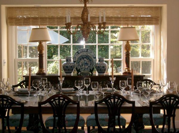Esszimmer Ideen zum Nachmachen – wie Sie den Raum wohnlicher gestalten - esszimmer ideen meißner porzellan goldene akzente