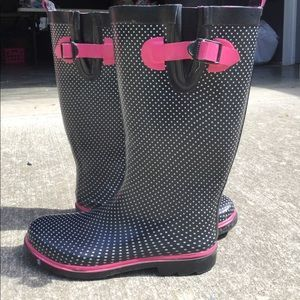 I just added this to my closet on Poshmark: Capelli Pink/Black/white Rain boots. Price: $10 Size: 9