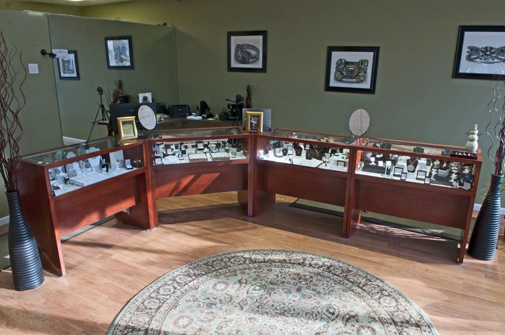 """""""Showcases arrived and look fantastic. Great job! I had construction taking place so we placed them inside, unwrapped to check for potential damage as you suggested and then wrapped them back up to keep the dust off. Really pleased, Ed. Thank you! Again thank you and great job. I'll let you know when everything is ready for photos."""" -- Boston Jewelry Company, Newton, MA   -   Doug Blanchard   9/2011."""